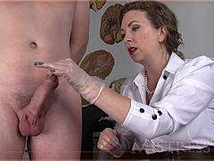 MILF maid T knows how to control a sausage Mature XXX